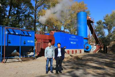 客户来公司考察整包秸秆气火转化炉